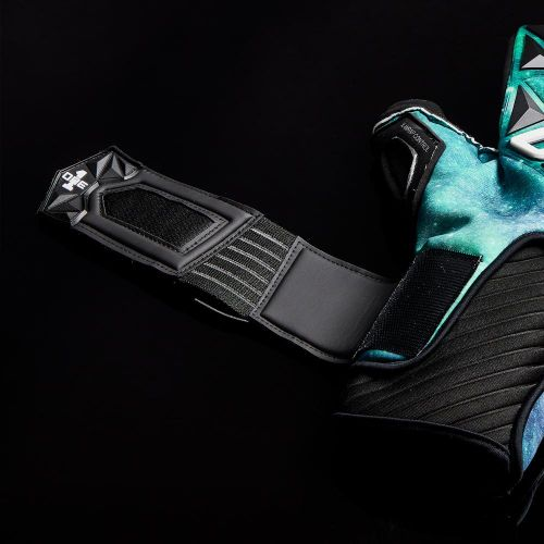 SLYR-Aurora-Negative-Cut-Goalkeeper-Gloves-10