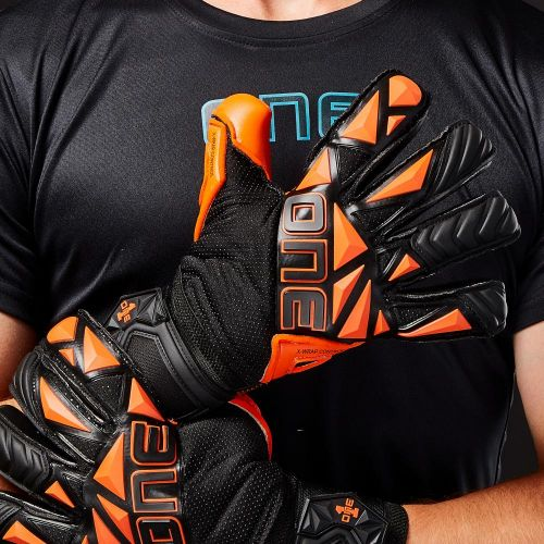 SLYR-Blaze-Negative-Cut-Fingersave-Goalkeeper-Gloves-1