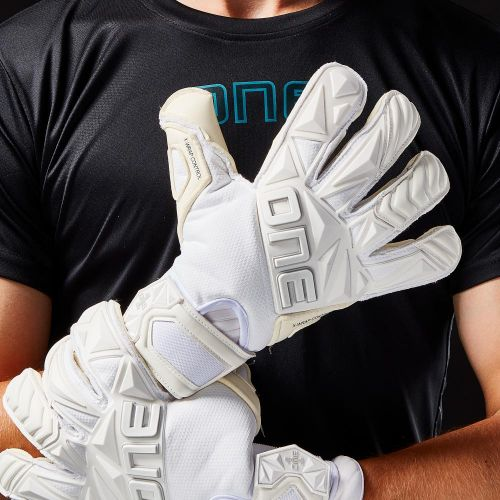 SLYR-Pure-Hybrid-Cut-Goalkeeper-Gloves-1